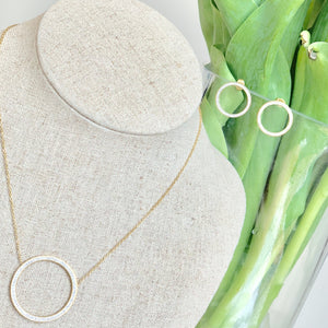 Juno Eternity Circle Necklace - Villancher Gifts &  Fashion Accessories