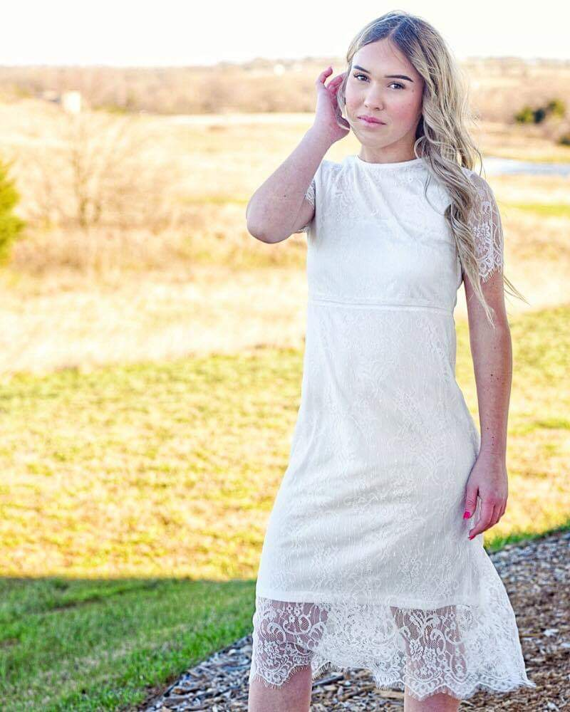 Lace knee length dress - white
