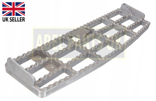 616MM STEP FOR JCB 3CX , 4CX (PART NO. 331/39996)