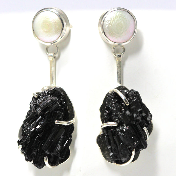 Black Tourmaline & Pearl Earring