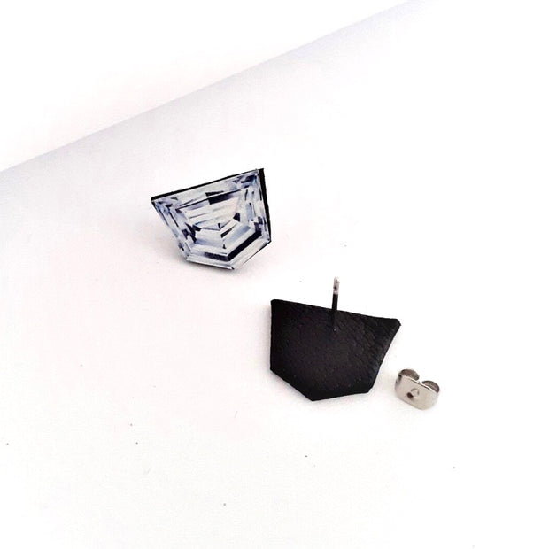 Shield Shaped Diamond Illustration - Stud Earring