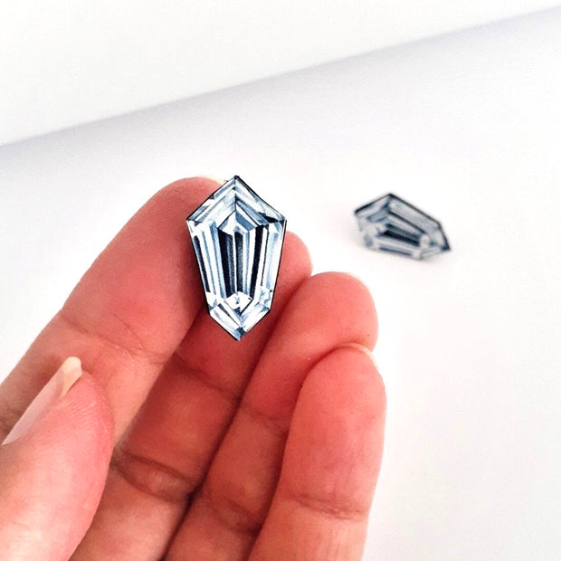 Kite Shaped Diamond Illustration - Stud Earring