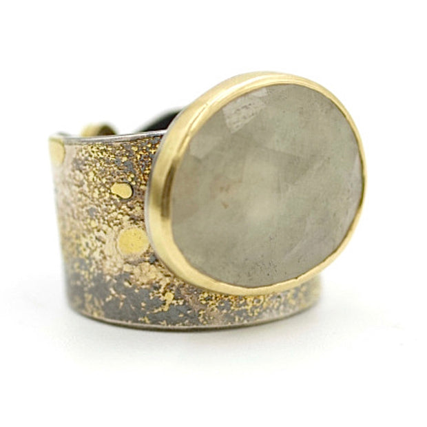 Lichen Crevice ring - White rose cut sapphire