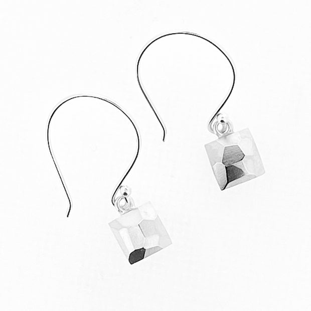 Faceted dangle earrings - square