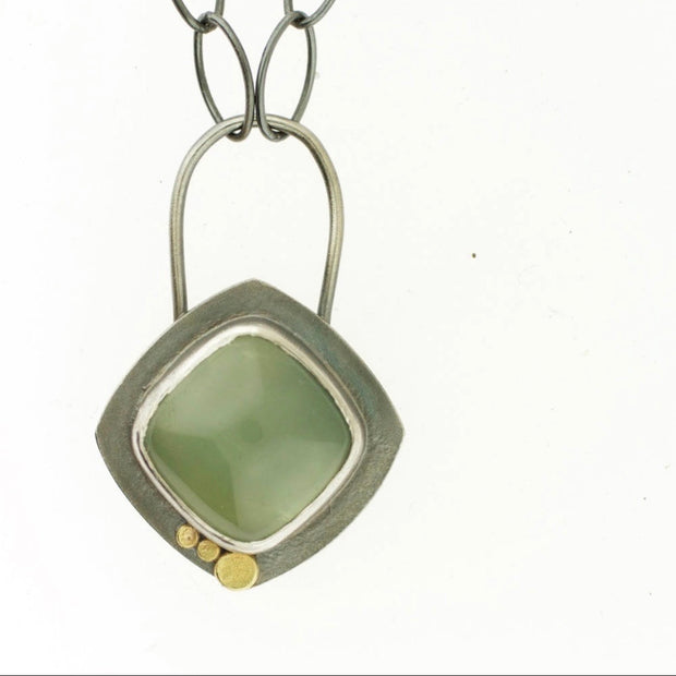 Dots - Prehnite Cushion Necklace
