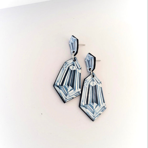 Kite Shaped Diamond Illustration - Medium Drop Earring