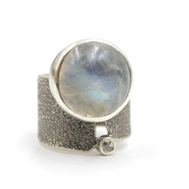 Crevice ring - Moonstone, rose cut moissanite