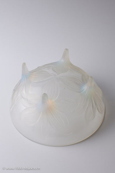 René Lalique opalescent & clear Glass 'Lys' Bowl 1933