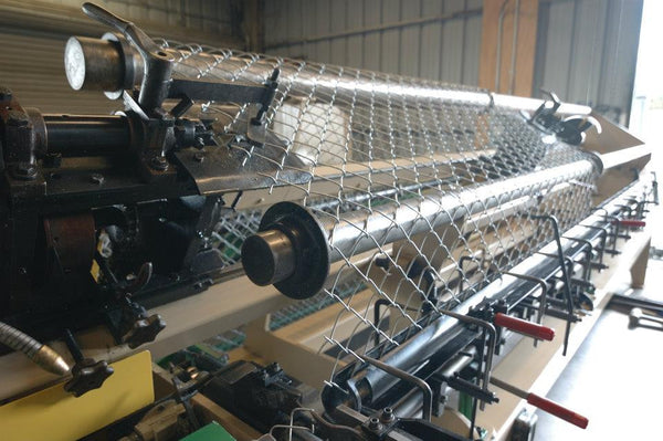 Weaving Chain Link Steel Fence Supply Warehouse