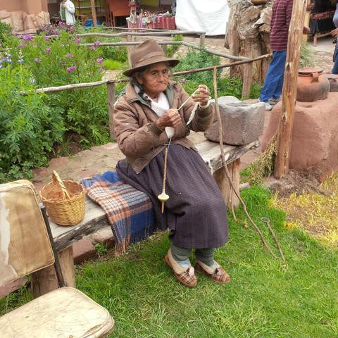 Spinning Yarn in Peru... By Hand!