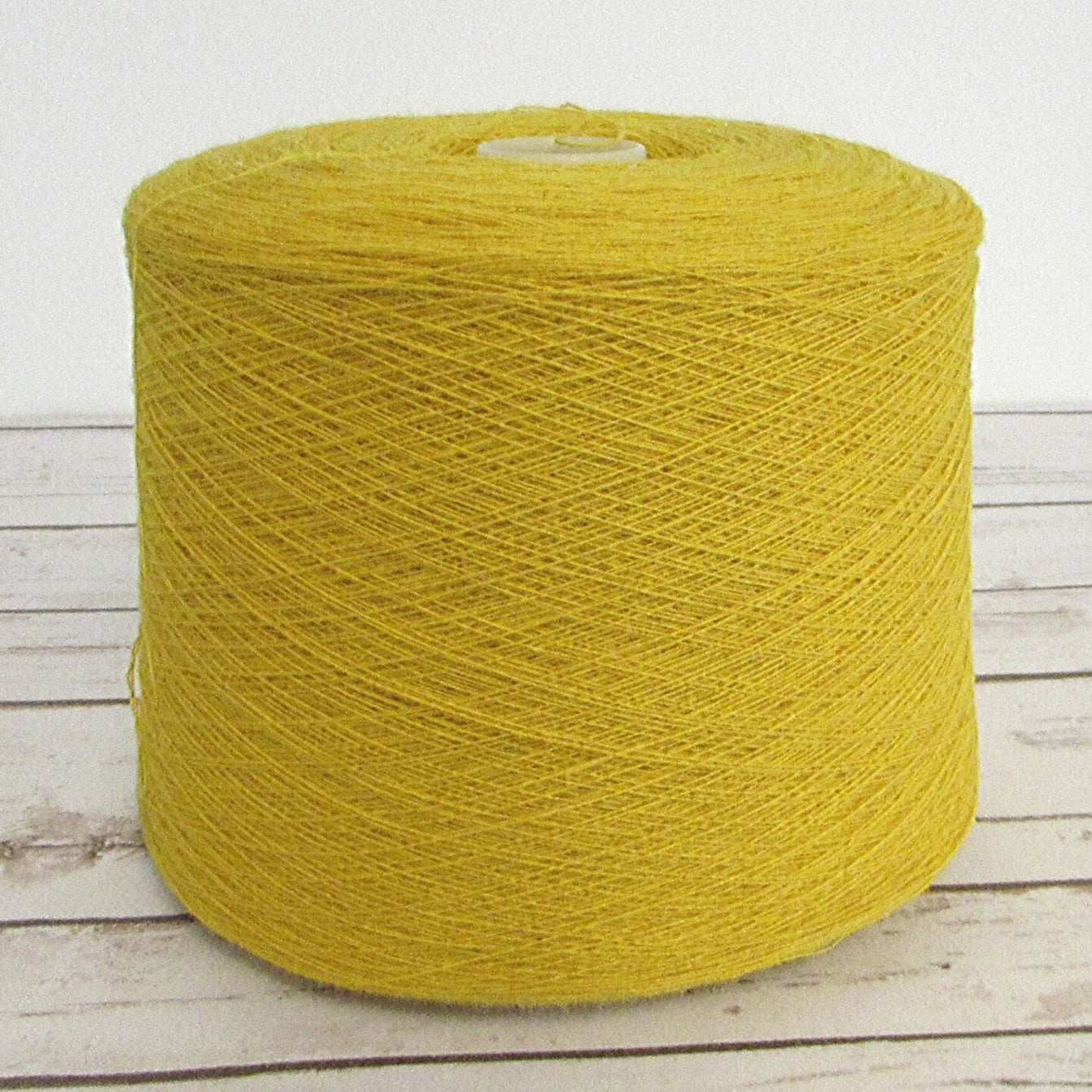 Lambs Wool Weaving Yarn 22 Microns