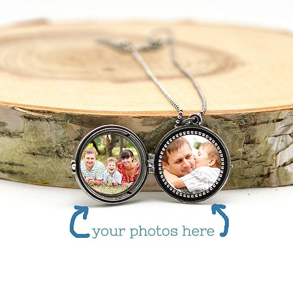 your photos inside sugar sidewalk's lockets
