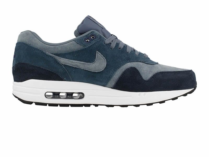 innovative design c9470 7d5c4 Nike Air Max 1 Essential LTR – Small Feet Big Kicks
