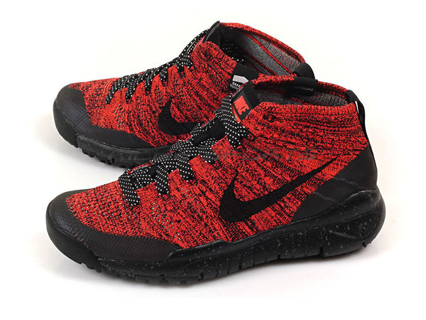 adae768364d59 Nike WMNS Flyknit Trainer Chukka Sneakerboot – Small Feet Big Kicks