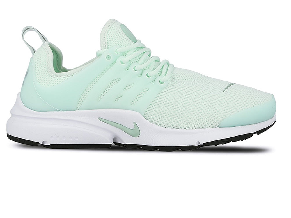 8bd30215a8db Nike Women s Air Presto – Small Feet Big Kicks