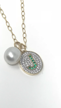 Load image into Gallery viewer, Medium Oval Signet Necklace