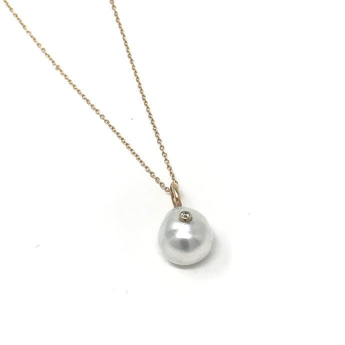10-11mm Tahitian / South Sea Pearl With Bezel Diamond Charm