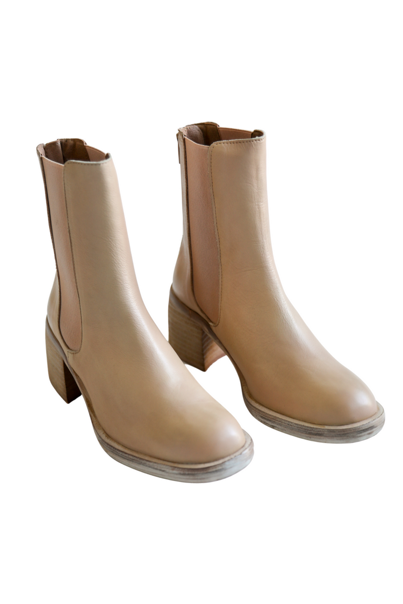 Free People Essential Chelsea Boots