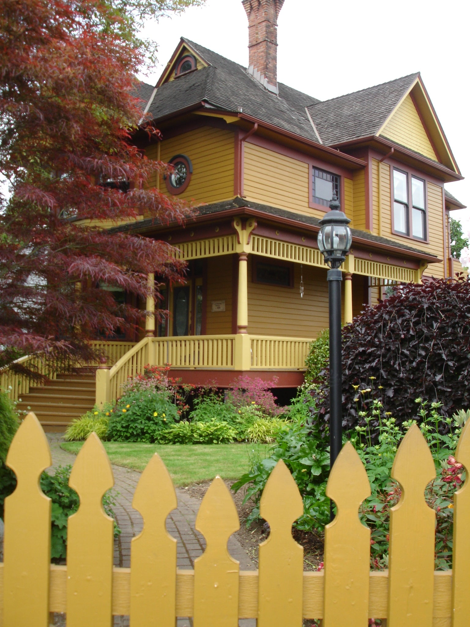Beautiful Heritage house in the Queen's Park district of New Westminster BC