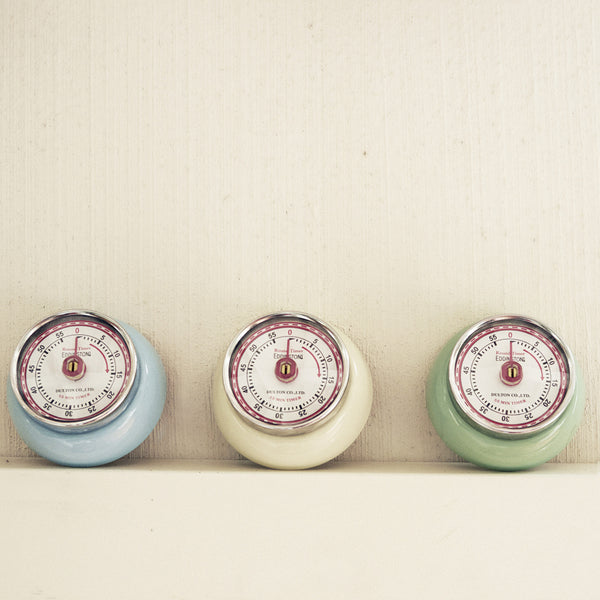 Retro magnetic kitchen timer