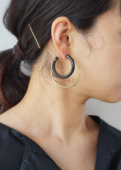 ソコ[Mixed Material Gio Hoop Earrings]ピアス