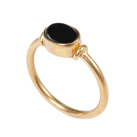 Cabochon Gold Ring With Onyx