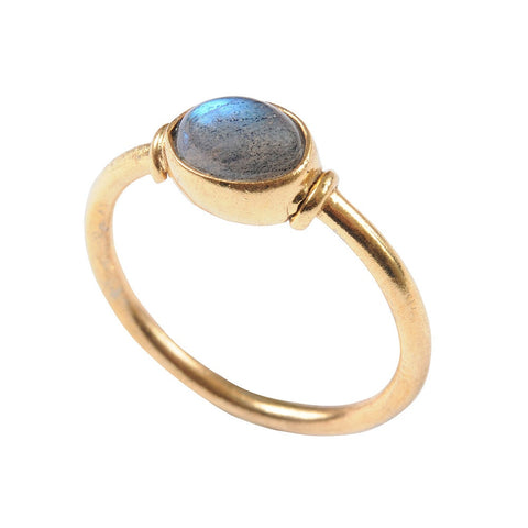 Cabochon Gold Ring With Labradorite