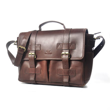 Load image into Gallery viewer, Labrador Messenger Bag in Chestnut - Wiesnwitz