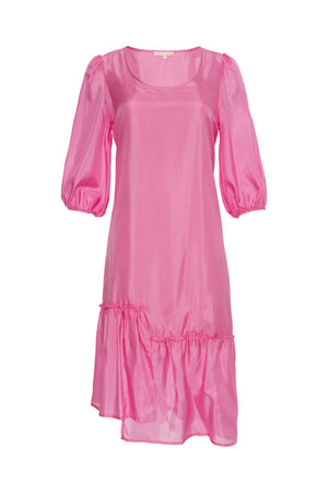 The Maine Peasant Dress in rose.