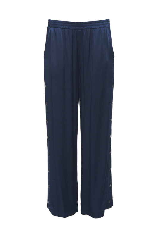 The Hayley Wide Leg Snap Pant in navy.