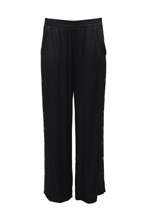 The Hayley Wide Leg Snap Pant in black.