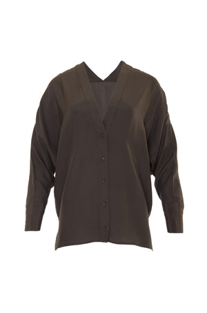 The Solid Silk Wedge Shirt in pewter.
