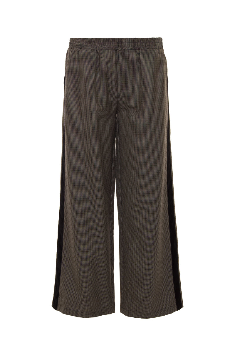 The Menswear Plaid Pants in grey.