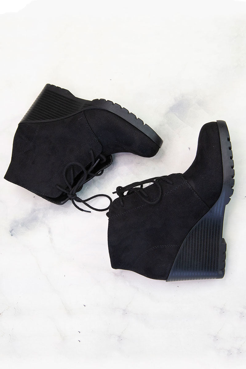 Flecha Black Wedge Bootie