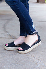 Everlyn Black Snake Wedge