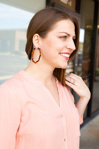 Brown Shell Geometric Hoop Earrings