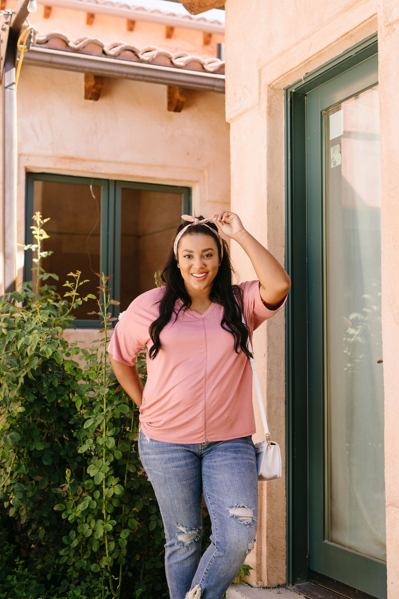 Top Stitch V-Neck In Dusty Rose