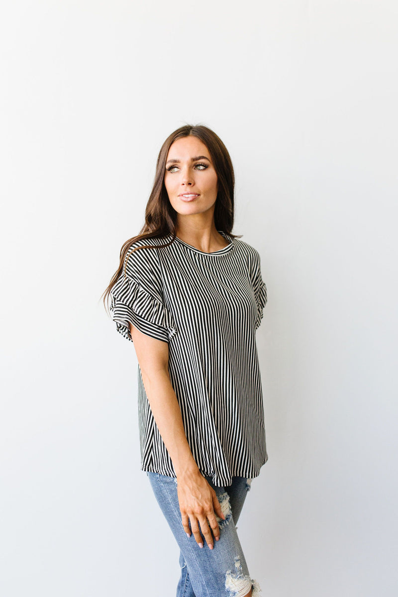 Vertical Horizon Striped Top In Black - Amaranth Collection