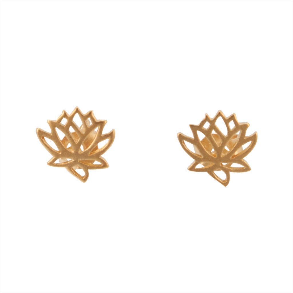 Tiny Lotus Flower Earrings In Gold 6879 Yg Zoe And Piper