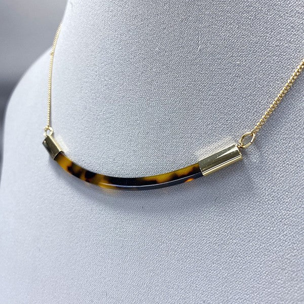 Resin Curve Bar Necklace