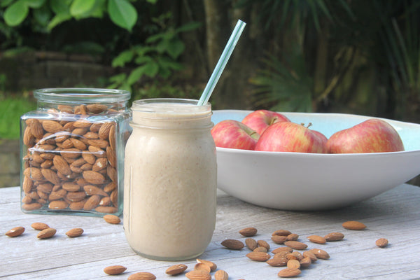 Apple Pie Smoothie - raw, vegan, dairy free, gluten free, healthy, recipe, snack, breakfast, begoodorganics