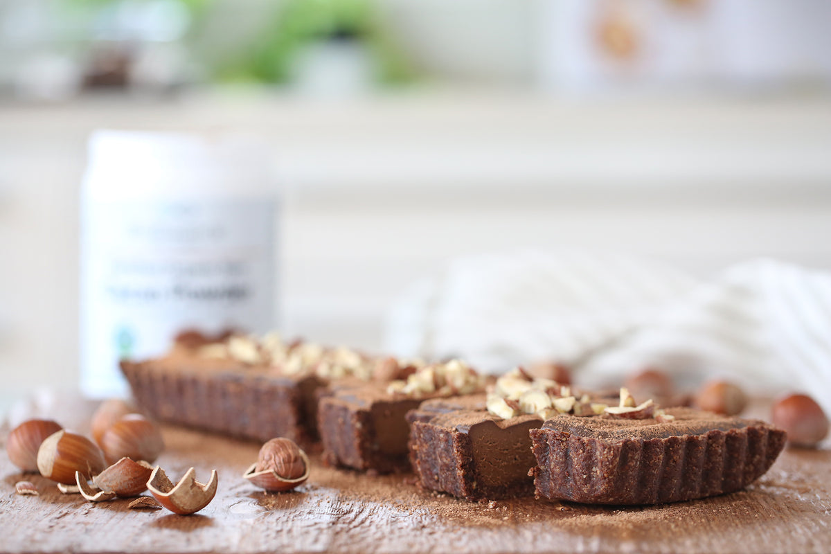 Childhood love of Nutella? Baby, this tart is for you. Chocolate, hazelnuts, all bound together in a rich creamy filling - Nutella never tasted so good. Plus, we made a new VIDEO to show you how! Vegan, dairy free + low sugar.