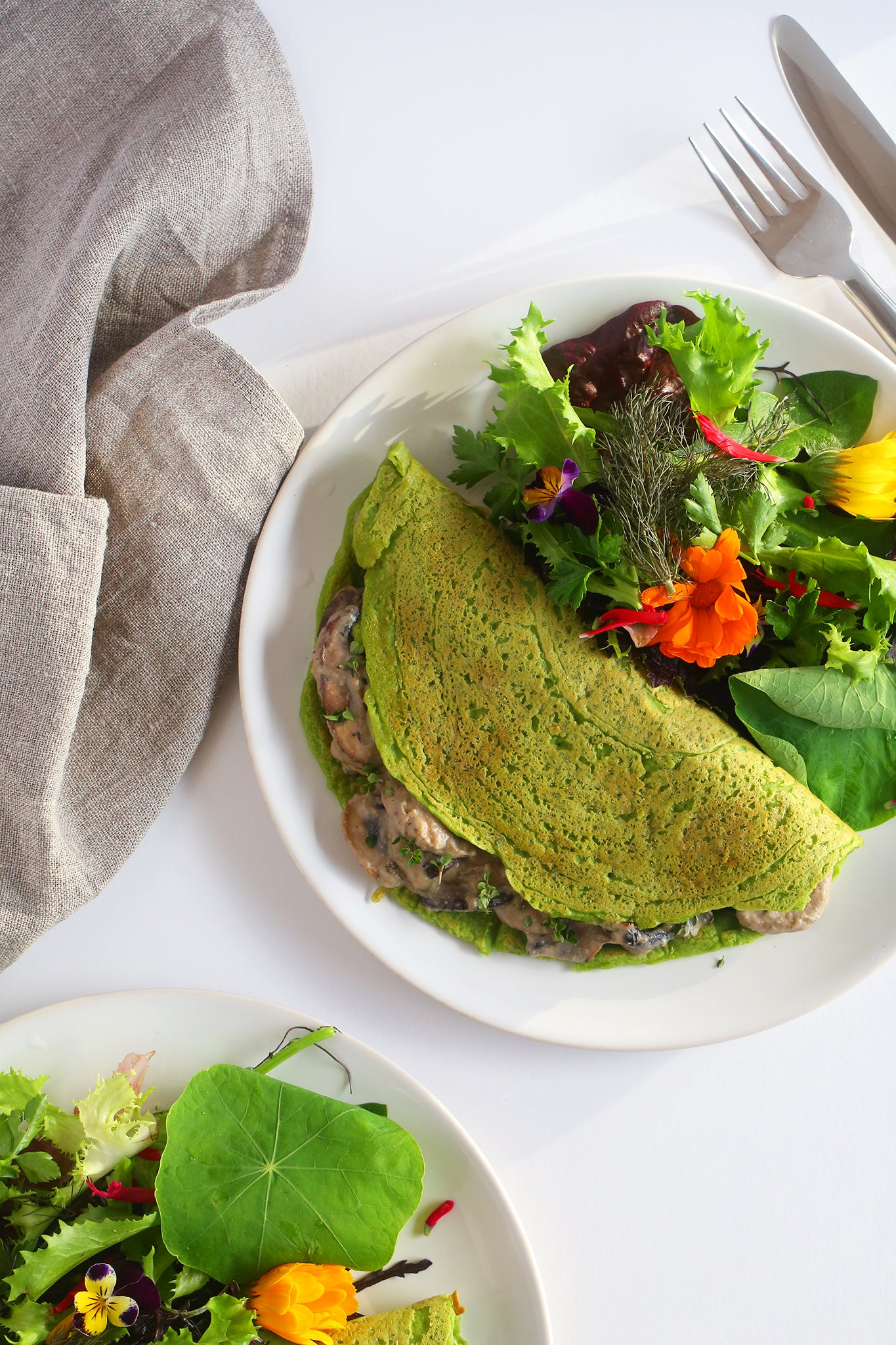 15 minutes SPINACH CREPES WITH CREAMY MUSHROOMW - vegan, dairy free, gluten free, egg free, healthy, low cal, high protein, easy, flavour packed, with sneaky greens, from begoodorganics.com