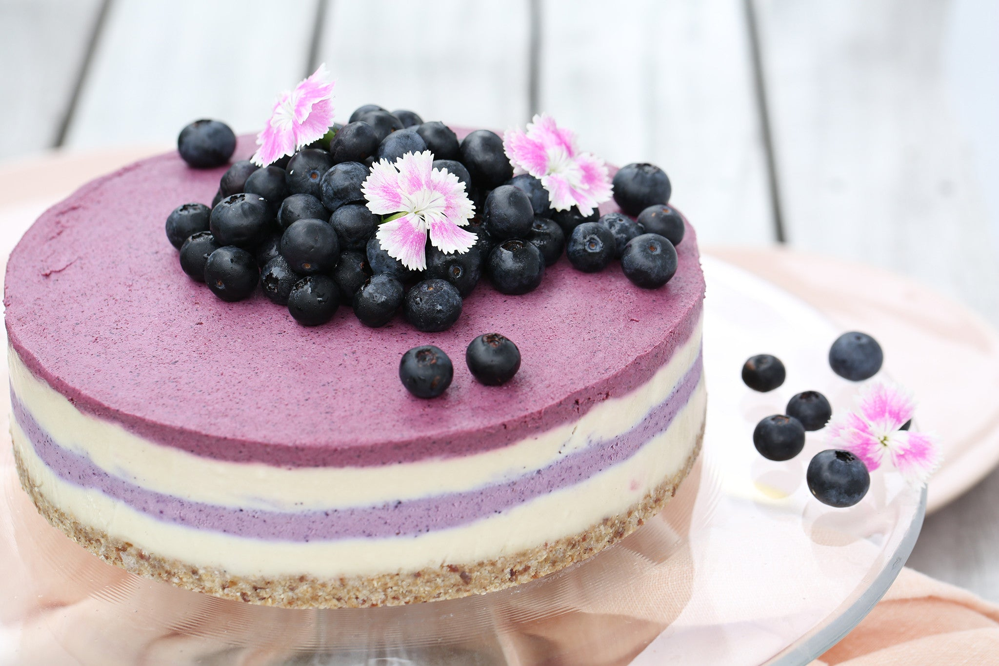 BLUEBERRY & BEETROOT CAKE - healthy, plant-based, raw, vegan, dairy free, refined sugar free, low sugar, high protein, nut free base, recipe, begoodorganics 2