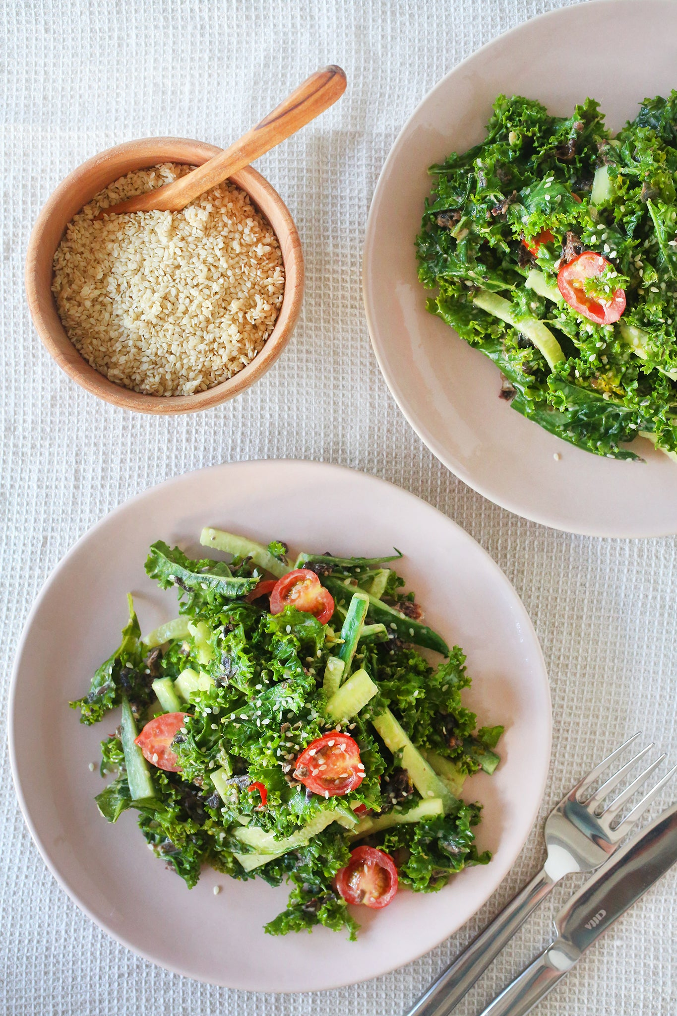 KALE, KARENGO & CUCUMBER SALAD with a delicious japanese inspired sesame seed dressing - vegan, plant-based, dairy free, gluten free, refined sugar free, nut free, healthy, seaweed, lunch, dinner, easy, under 20 minutes, begoodorganics