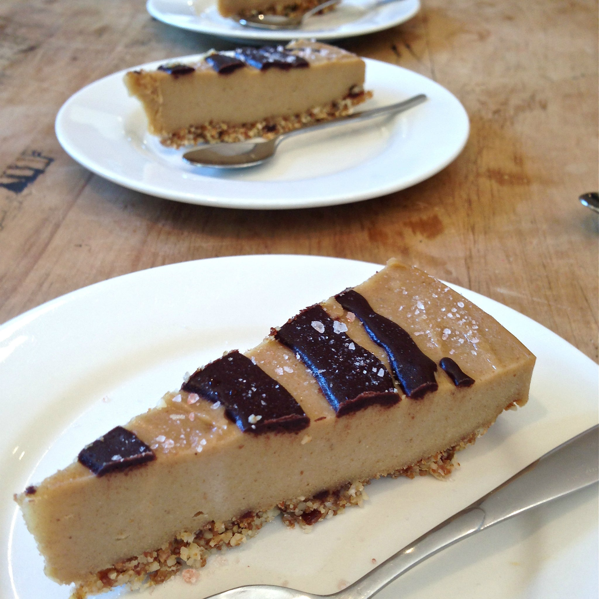Raw Salted Caramel Cheesecake