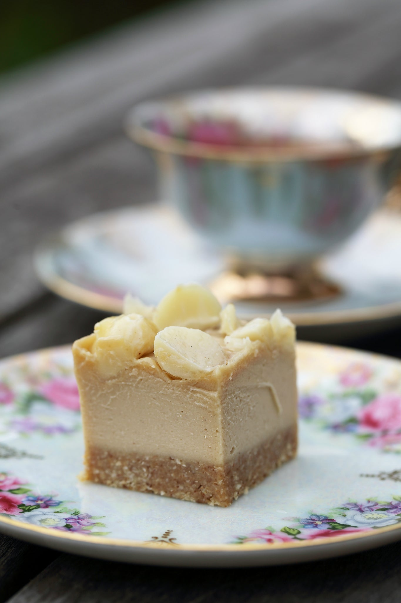 Salted caramel macadamia slice be good organics salted caramel macadamia slice with youtube video healthy raw dessert sweet treat forumfinder