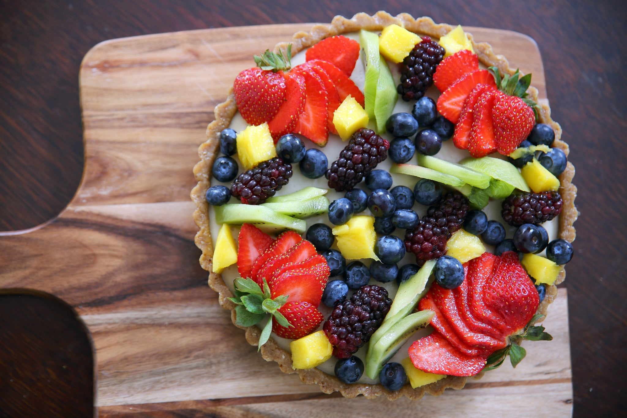 20 MINUTE SUMMER FRUIT TART #healthy #vegan #fruit #tart #recipe #dairyfree #sugarfree #glutenfree #raw #begoodorganics