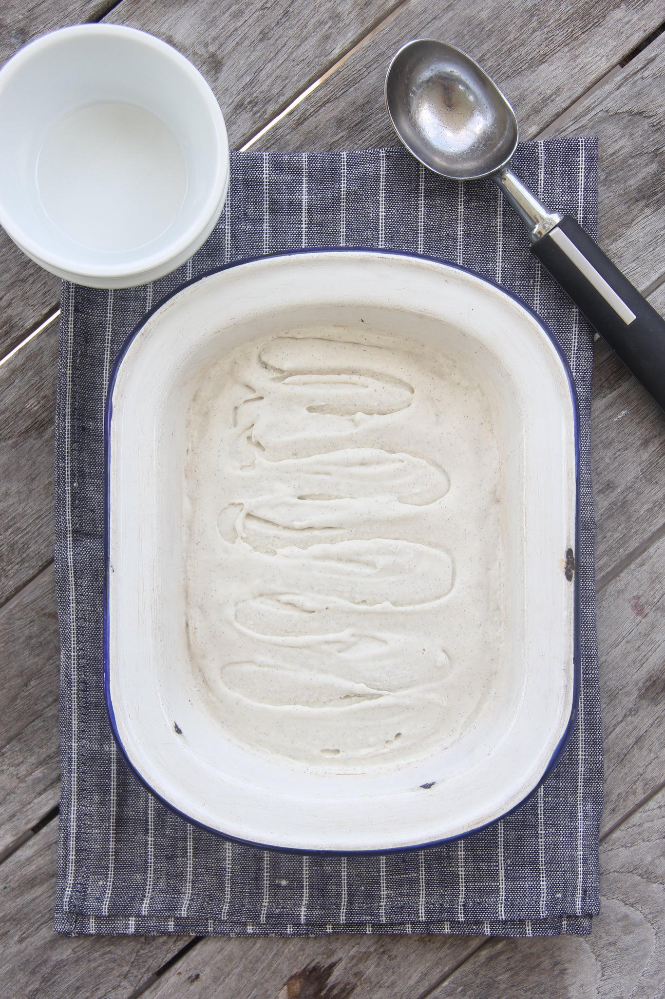 7-Ingredient deliciously creamy Vanilla Bean Ice Cream #healthy #vegan #vanilla #icecream #recipe #dairyfree #sugarfree #glutenfree #begoodorganics