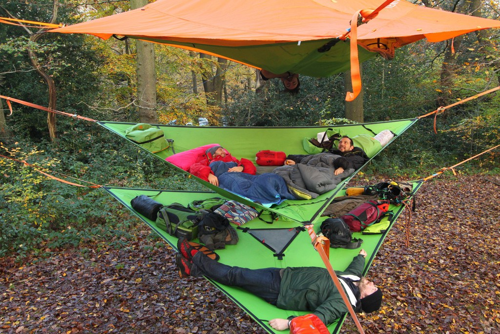 Hammock Sizes: 1-Person Hammocks to Giant Sizes That Fit 6 People!